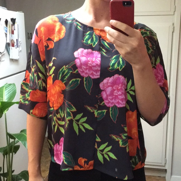 Express Tops - Express floral blouse